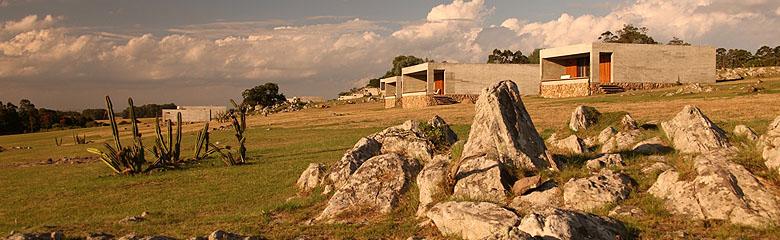 Fasano las piedras punta del este uruguay for Hotel en las piedras
